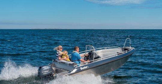 Buster L1 båt