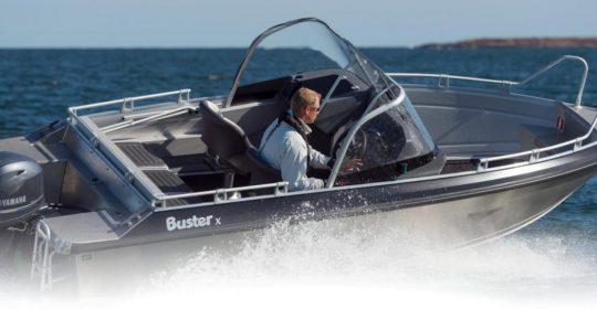 Buster X båt