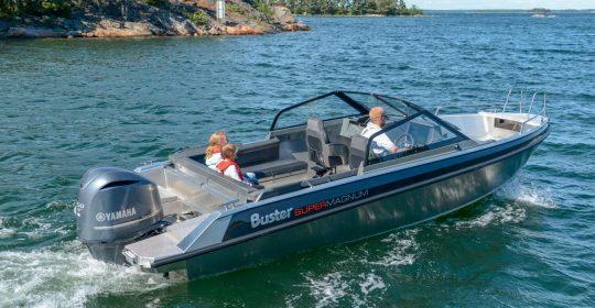 Buster Super Magnum båt