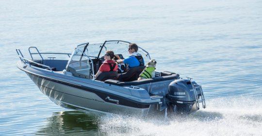 Yamarin Cross 54 BR båt