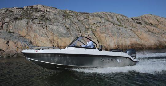 Husky R5 båt