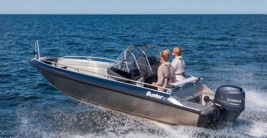 Buster L2 båt