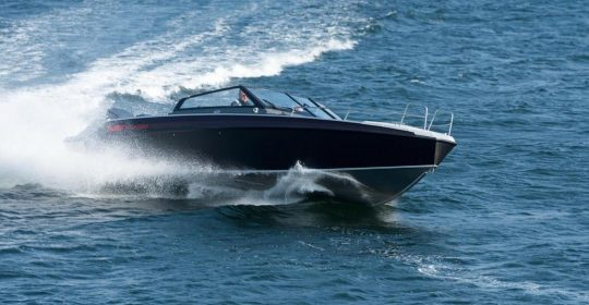 Buster Phantom båt