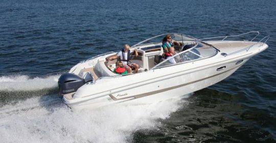 Yamarin 79 DC båt