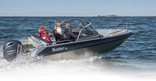 Buster XL båt